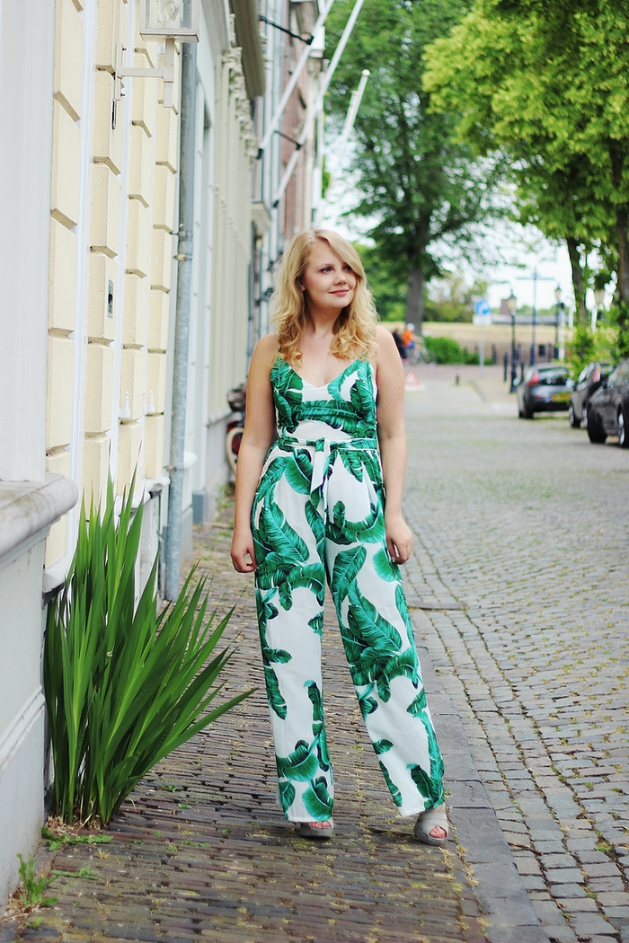 jumpsuit met bladeren leaf jumpsuit my jewellery