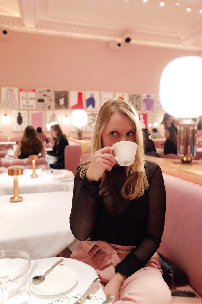 Afternoon Tea Sketch London high champagne londen roze restaurant pink restaurant pink hotspot
